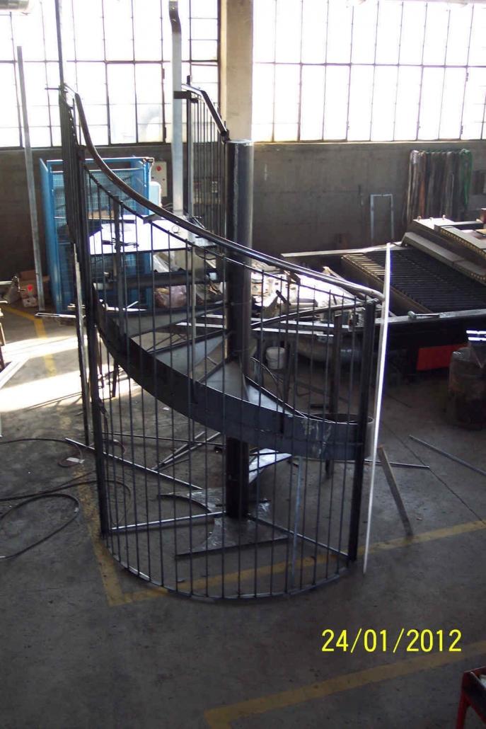 realizzazione scale in metallo lecco como 07
