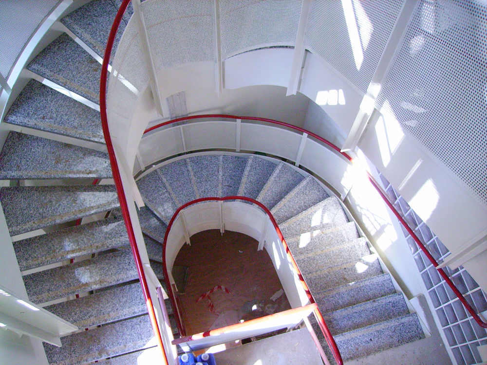 realizzazione scale in metallo lecco como 09
