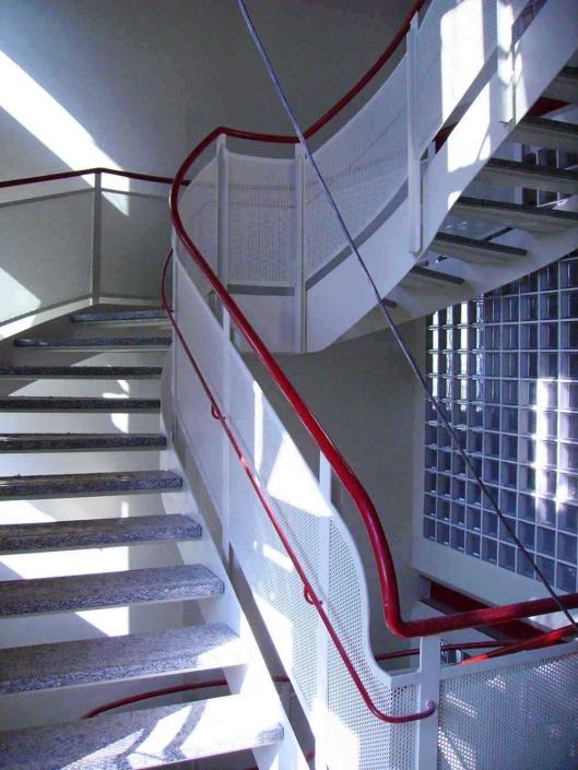 realizzazione scale in metallo lecco como 16