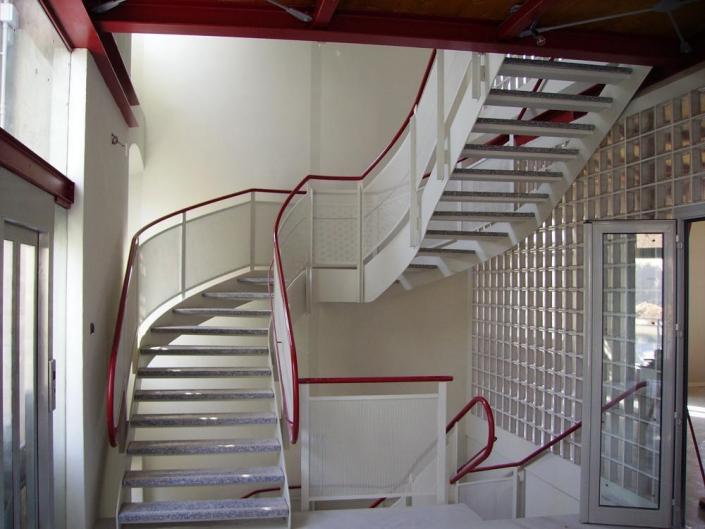 realizzazione scale in metallo lecco como 23