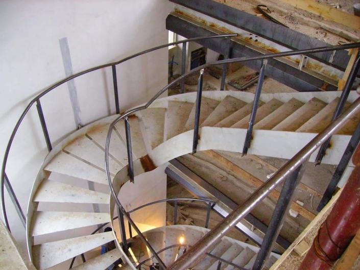 realizzazione scale in metallo lecco como 25