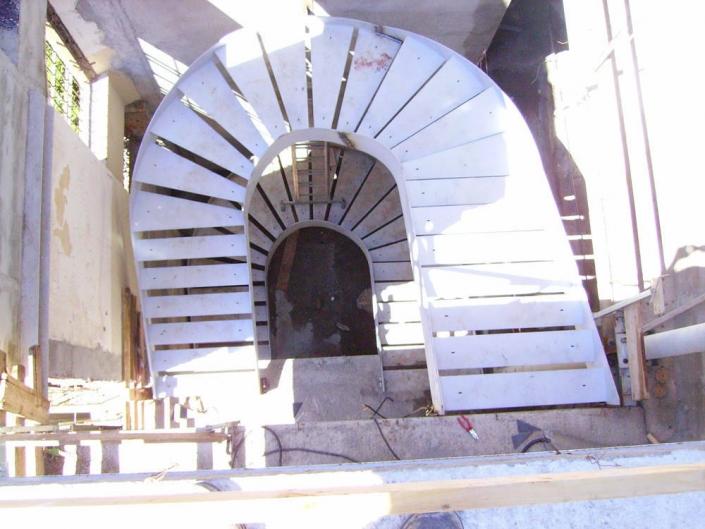 realizzazione scale in metallo lecco como 32