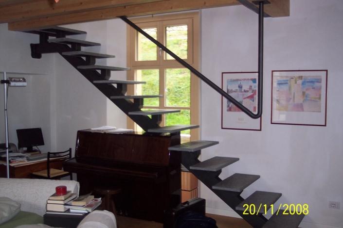 realizzazione scale in metallo lecco como 38