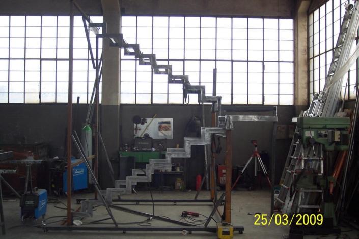 realizzazione scale in metallo lecco como 46