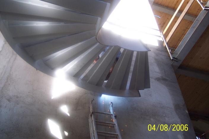 realizzazione scale in metallo lecco como 49