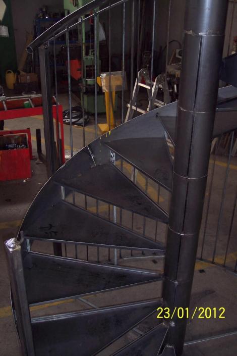 realizzazione scale in metallo lecco como 54