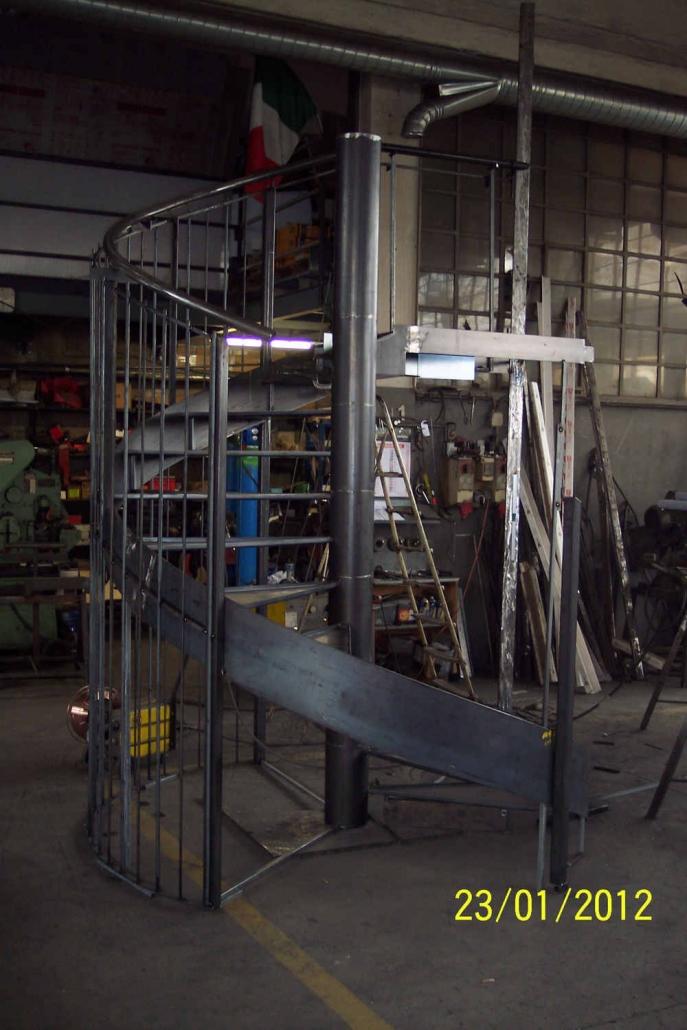 realizzazione scale in metallo lecco como 56