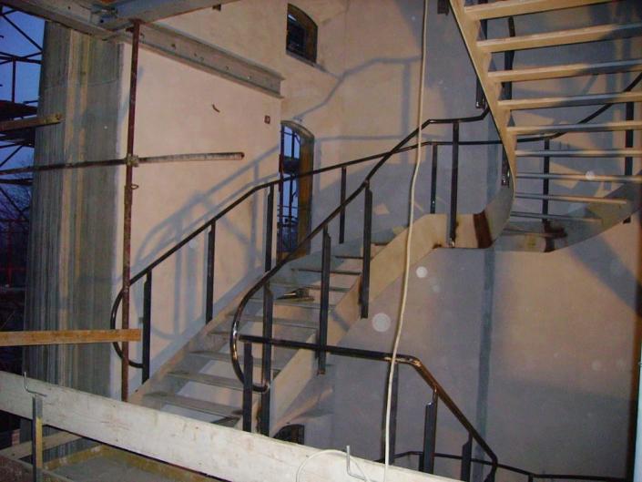 realizzazione scale in metallo lecco como 60
