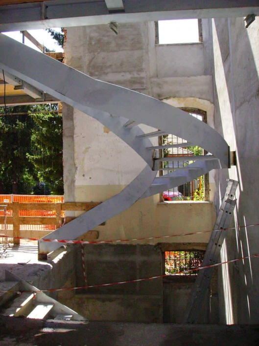 realizzazione scale in metallo lecco como 61