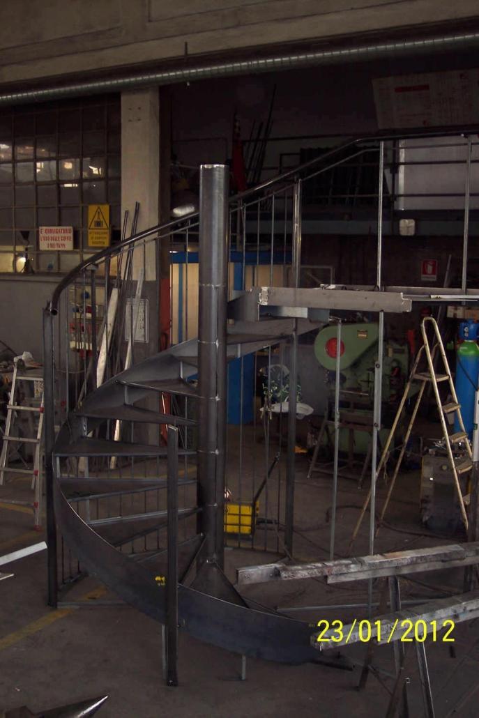 realizzazione scale in metallo lecco como 65